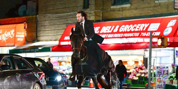 keanu-reeves-seen-riding-a-horse-on-location-for-john-wick-3-in-on-picture-id999420458-hero-large-18747104-eaea-4792-92df-e0c19d1cb6eb